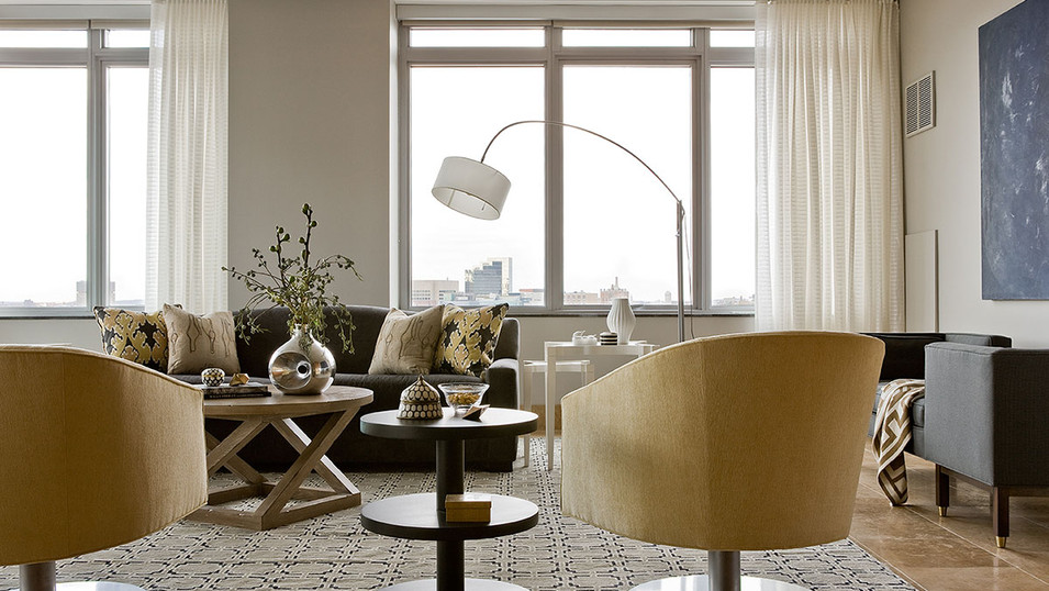 Charles Penthouse 2- Living Room
