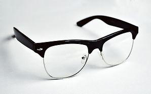 eyeglasses-1846595_640.jpg