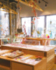 toumei shop.jpg