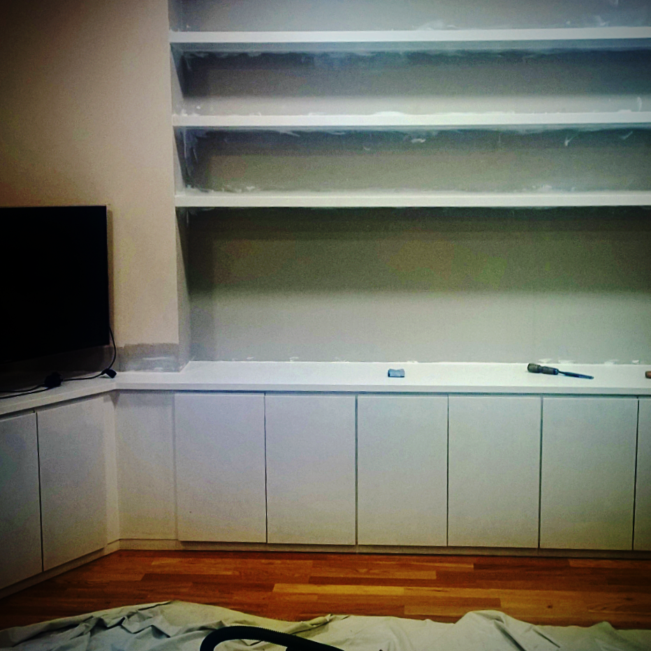 Loww cupboards with floating shelve
