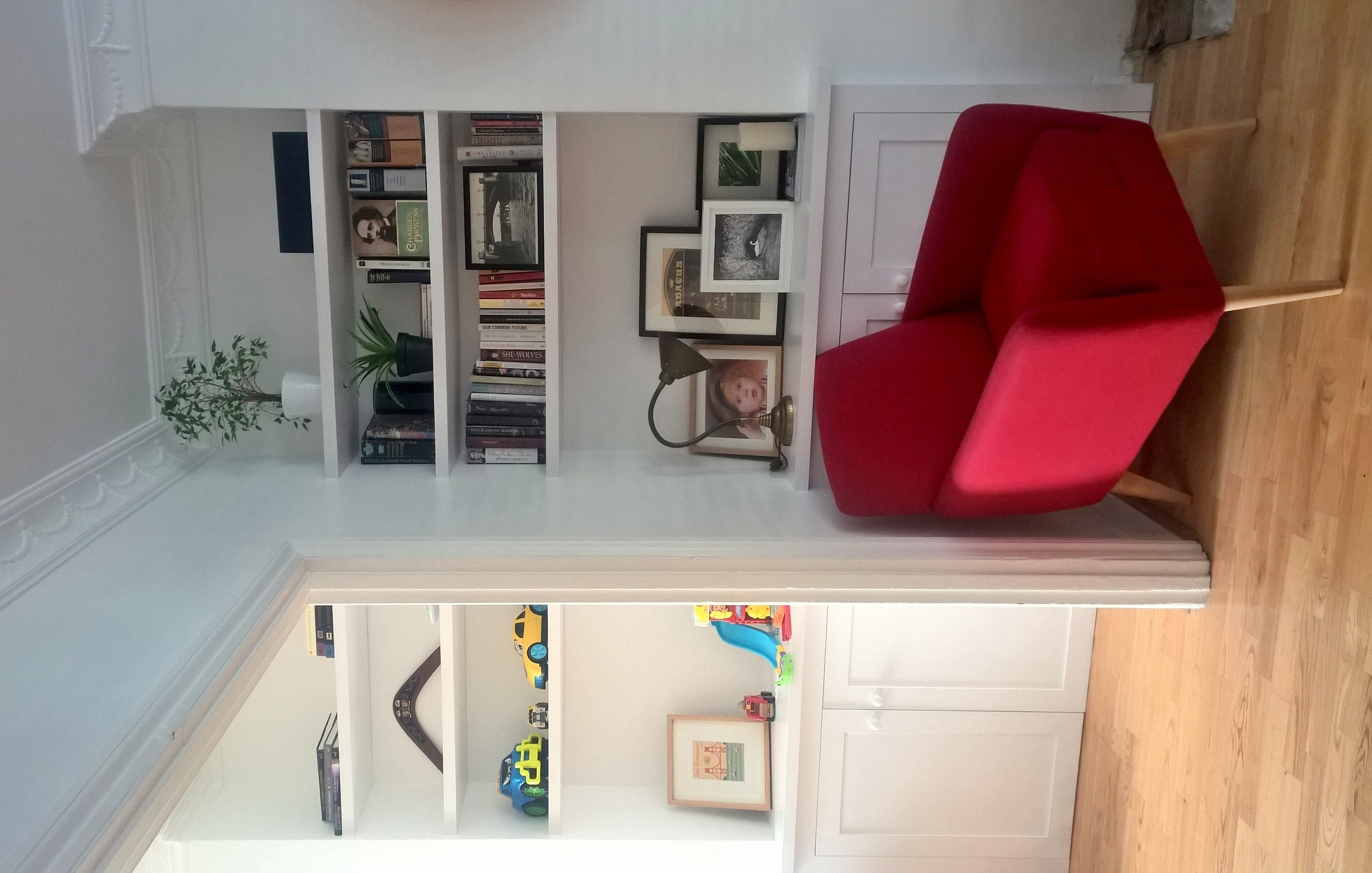 Low alcove cupboards with floating s