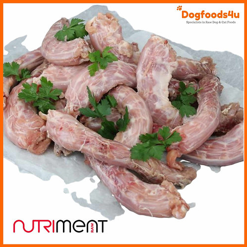 Nutriment fresh raw chicken neck for dogs laid out 1kg