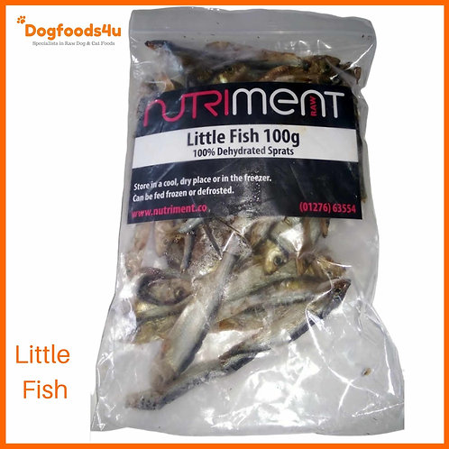 Nutriment little fish in packet for dogs