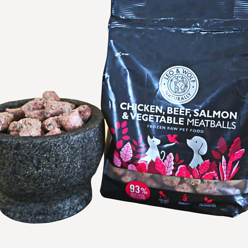 Nutriment Leo and Wolf Chicken, Beef, Salmon and Vegetable Meatballs 1kg