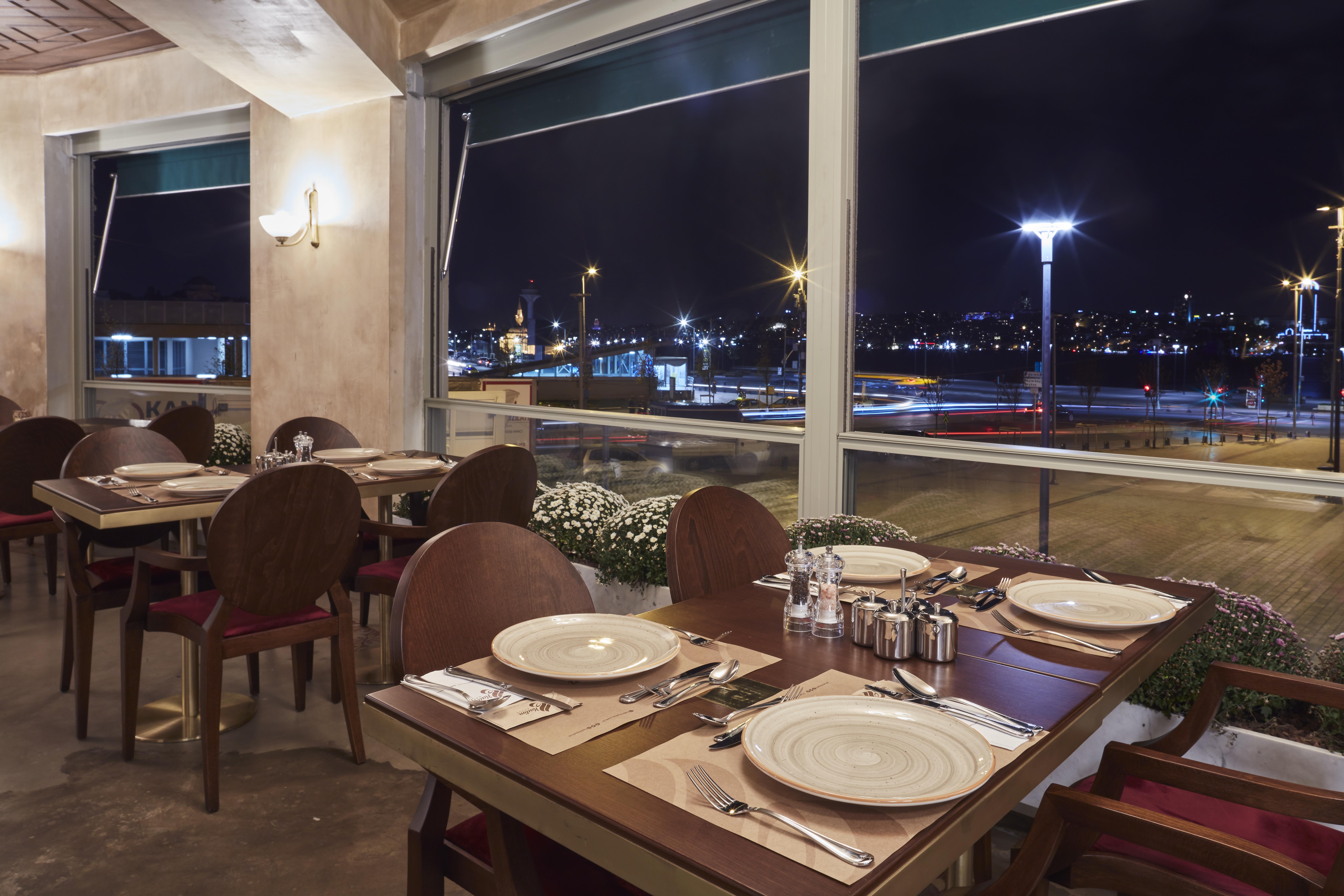 Net café romantika szerelmi botrány randevú Iszlámábád