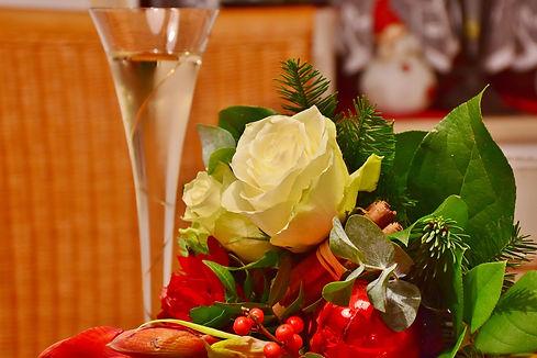 flowers-1096572_1920.jpg