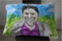 רעיון למזכרת לשבת בר מצווה ציפית לכרית עם קריקטורה אישית