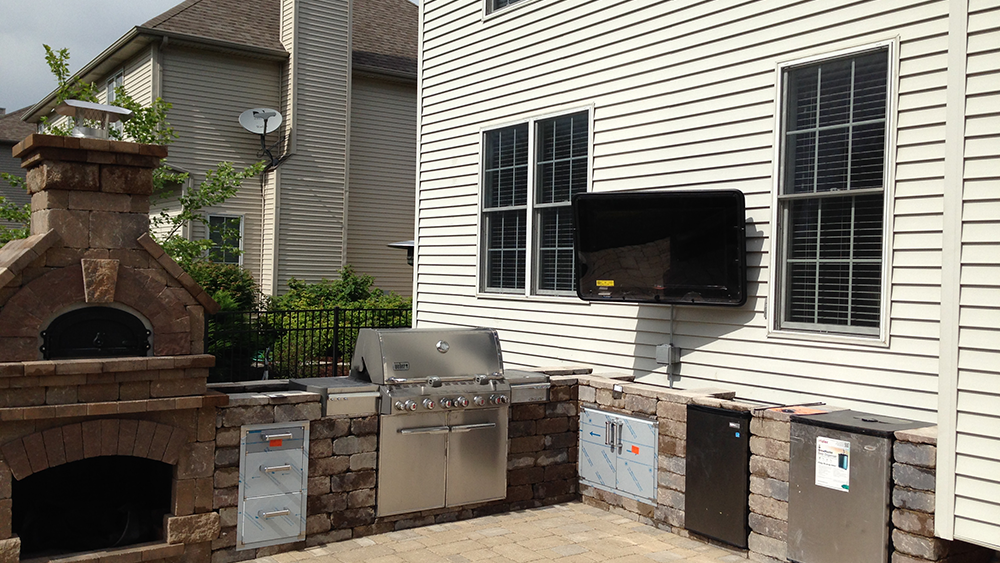outdoor tv mount
