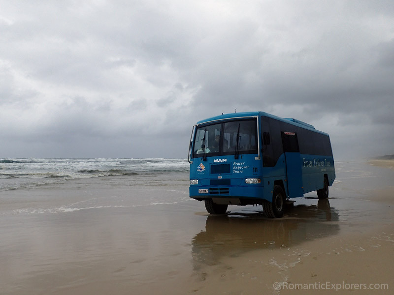 The tour bus for the Beauty Spots tour offered by Kingfisher Bay Resort.
