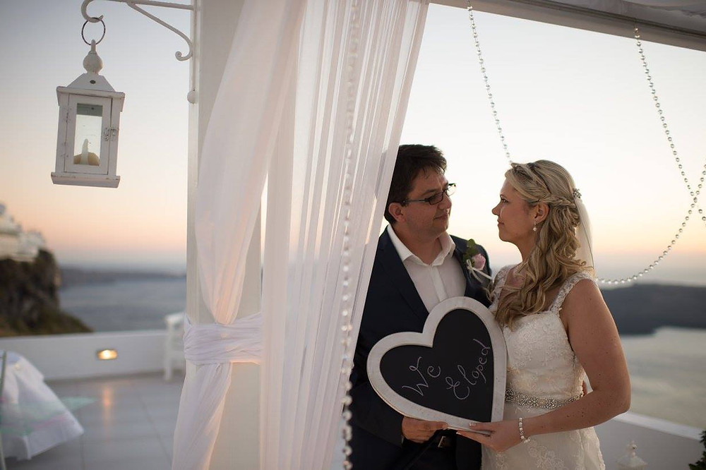 Tips for eloping in Santorini Greece