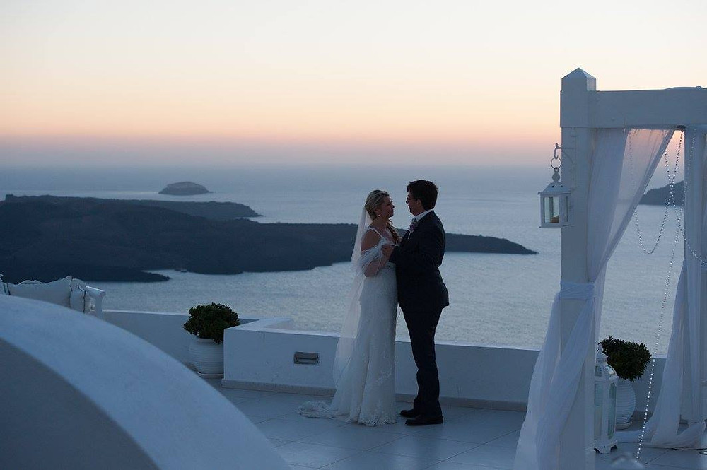 Eloping in Santorini, Greece