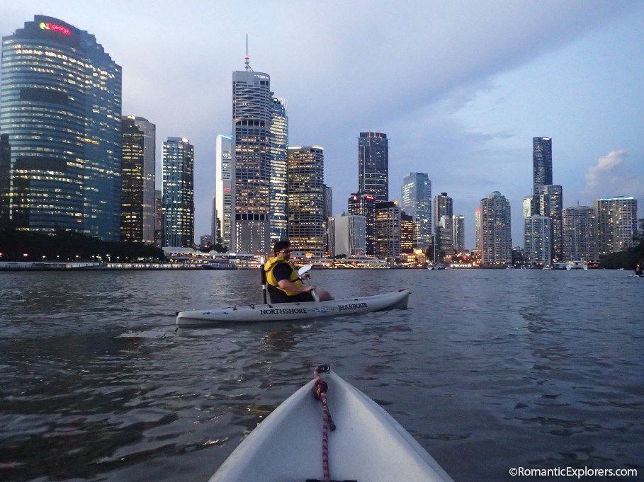 Sunset kayaking with Riverlife | A romantic date idea for couples exploring Brisbane