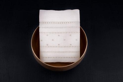 Mantelería e individuales bordados a mano