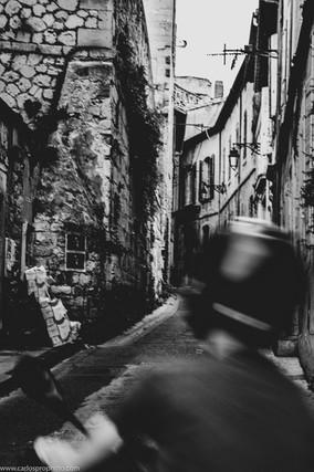 CFH_ART_France_Avignon_MotorCyclist_Niko