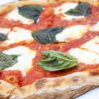 """Margherita 16"""" Round"""