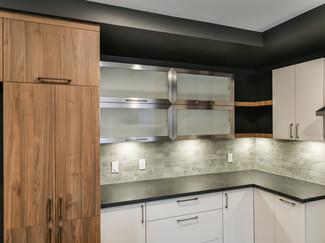contemporary-kitchen-cabinet-ensemble-wi