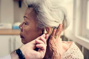 An Expert's Help With Hearing Aid Is Critical