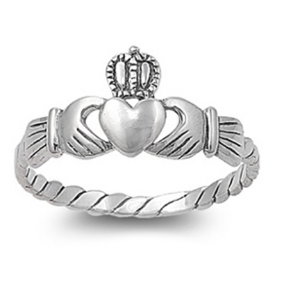 claddaugh twisted band ring
