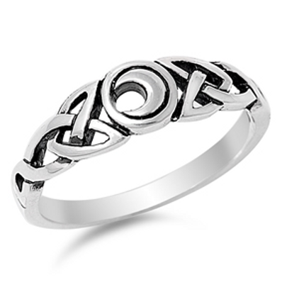 celtic knotwork + cresent moon ring