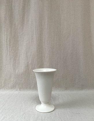 Elegant Wedgwood Etruria & Barlaston Cream Ribbed Vase
