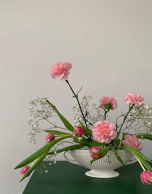 Wedgewood Etruria & Barlaston Grecian style vase
