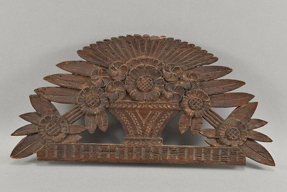 Attachment flower basket, carved wood, around 1800