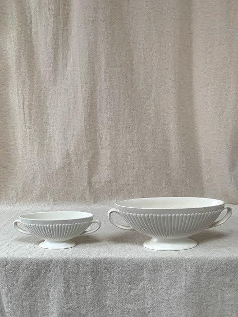 Vintage c1940s Wedgwood Pair of Etruria & Barlaston Vases
