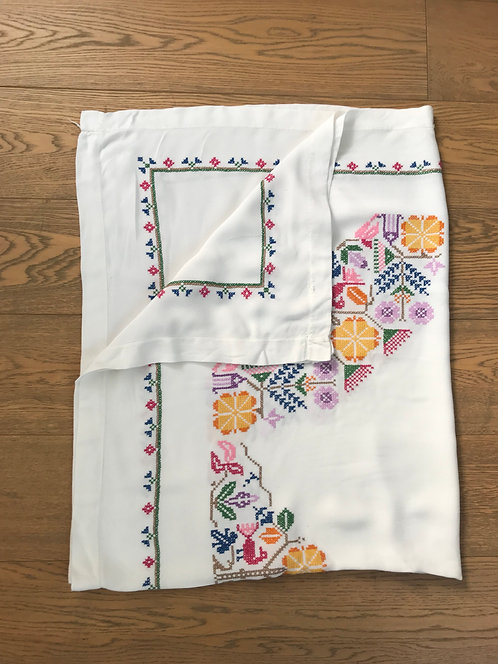 Beautiful Vintage Embroidered Tablecloth