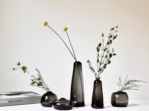 Little Gem Vase (Charcoal) + dried flowers