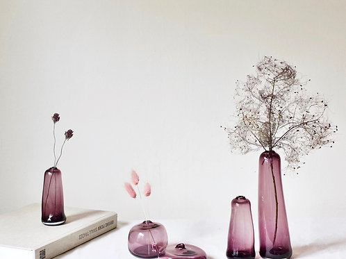 Little Gem Vase (Plum) + dried flowers