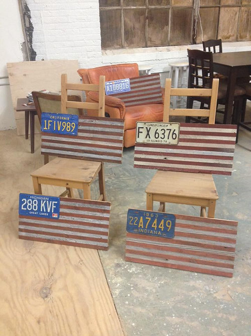 Incroyable Barnwood American Flag With Antique License Plates