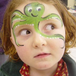 funky-faces-face-painting-21472984.jpg