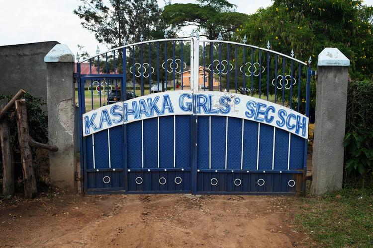School gate med.jpg