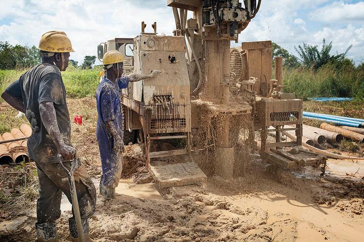 drilling well sml.jpg