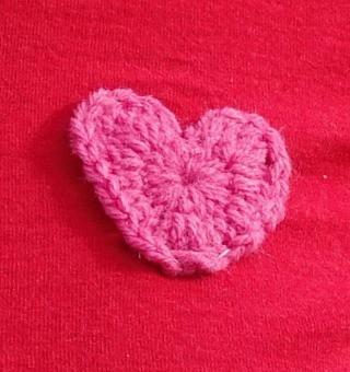 Free Pattern: Crochet Heart Appliqué
