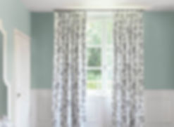 Patterned fabric curtain