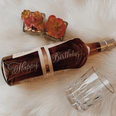 hand-engraving-wine-bottle