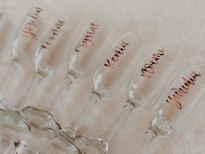 personalized-champagne-glasses