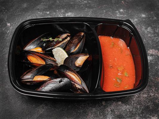 Мидии в томатном соусе с базиликом