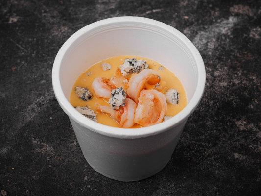 Крем-суп из печеной тыквы с креветками