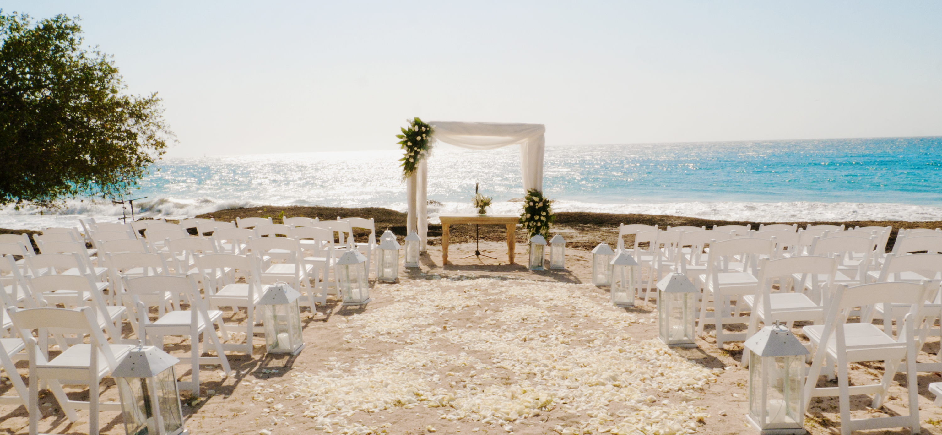 Beach Wedding Setup Blue Apple