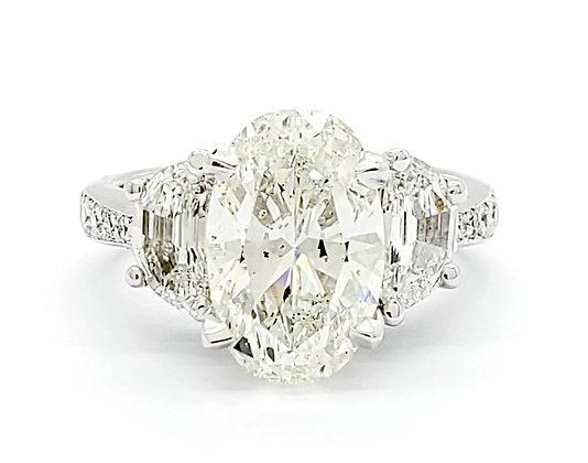 OVAL CUT WHITE DIAMOND RING
