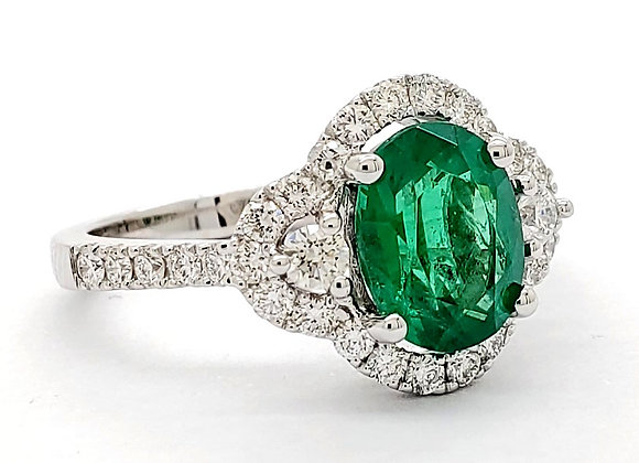 EMERALD AND WHITE DIAMOND RING