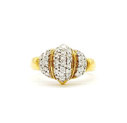 YELLOW GOLD AND WHITE DIAMOND RING