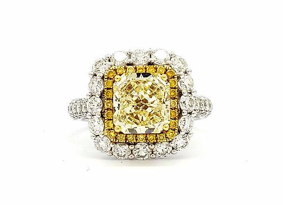 FANCY LIGHT YELLOW DIAMOND CLUSTER RING