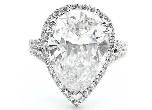PEAR SHAPE WHITE DIAMOND RING