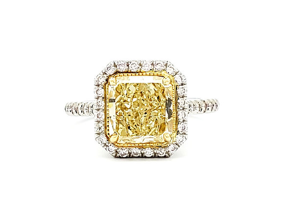 FANCY YELLOW AND WHITE DIAMOND RING