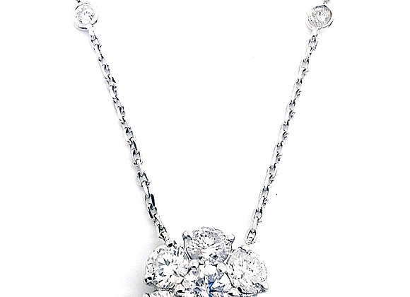 WHITE DIAMOND CLUSTER PENDANT