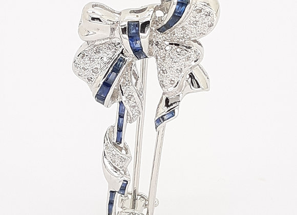 SAPPHIRE AND WHITE DIAMOND BROOCH
