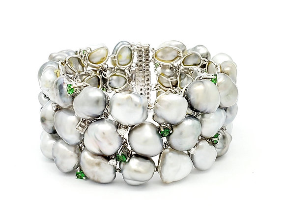 GREY PEARL AND GREEN SAPPHIRE BRACELET